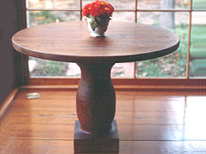 Round Long Leaf Pine Dining Cafe Table